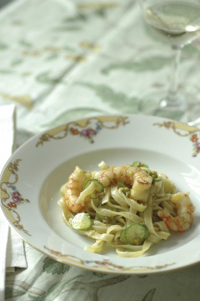 Tagliatelle con gamberi, zucchine e pesto di pistacchi by kitchenqb