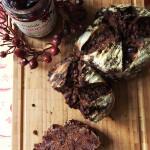 Pane al cioccolato e cranberries