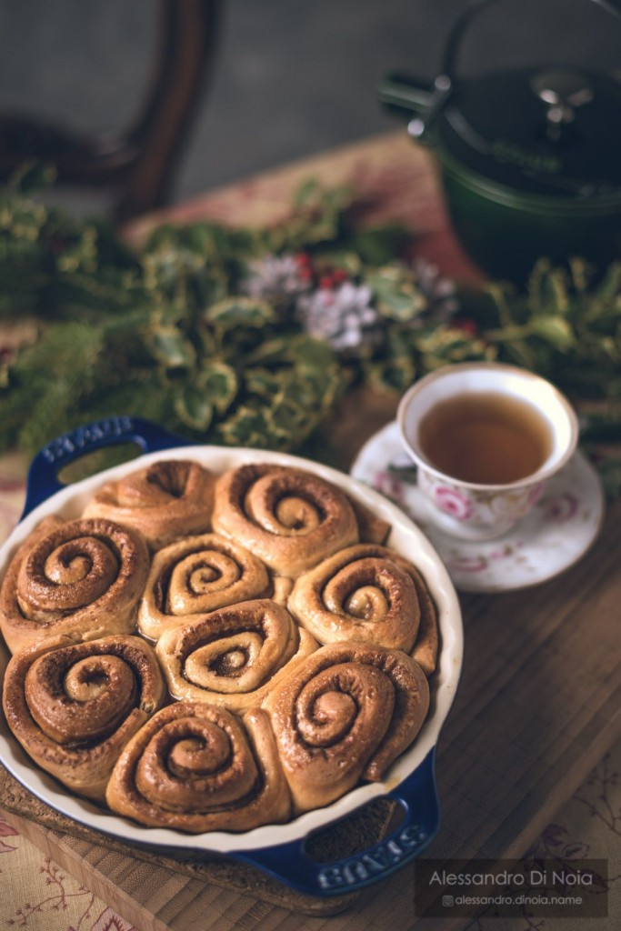 Cinnamom rolls cannella e caffè presentazione