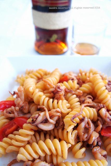 Fusilli di Kamut con calamaretti arrosto olio argan | Zacapa 23