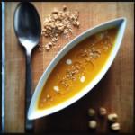 Vellutata di zucca e crema di soia olio nocciole