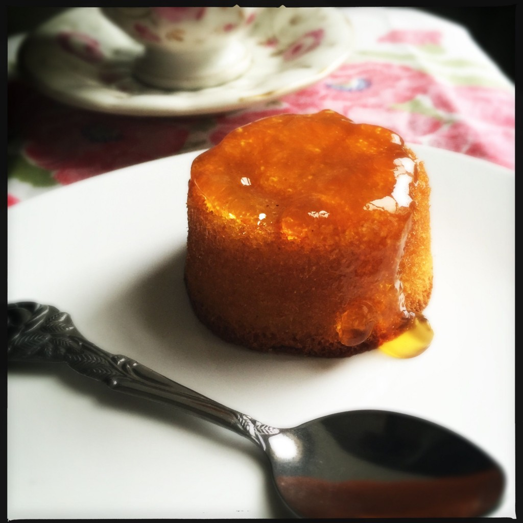Mini cake alle mandorle con limone e curcuma 2