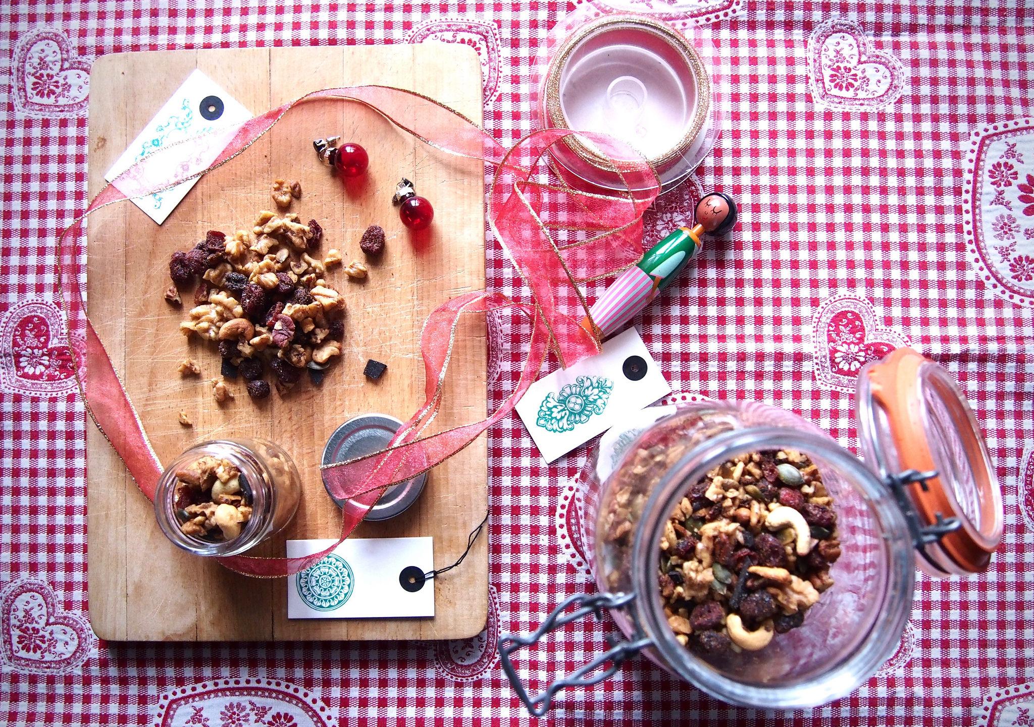 Conchiglioni liguori n 177 con vellutata di barbabietola e fondue di gorgonzola - Bagna cauda vegana ...