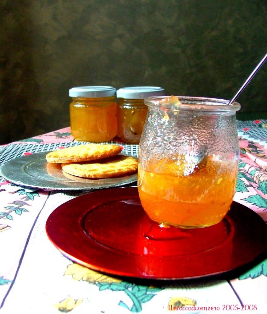 Confettura di pomodori gialli al pepe bianco
