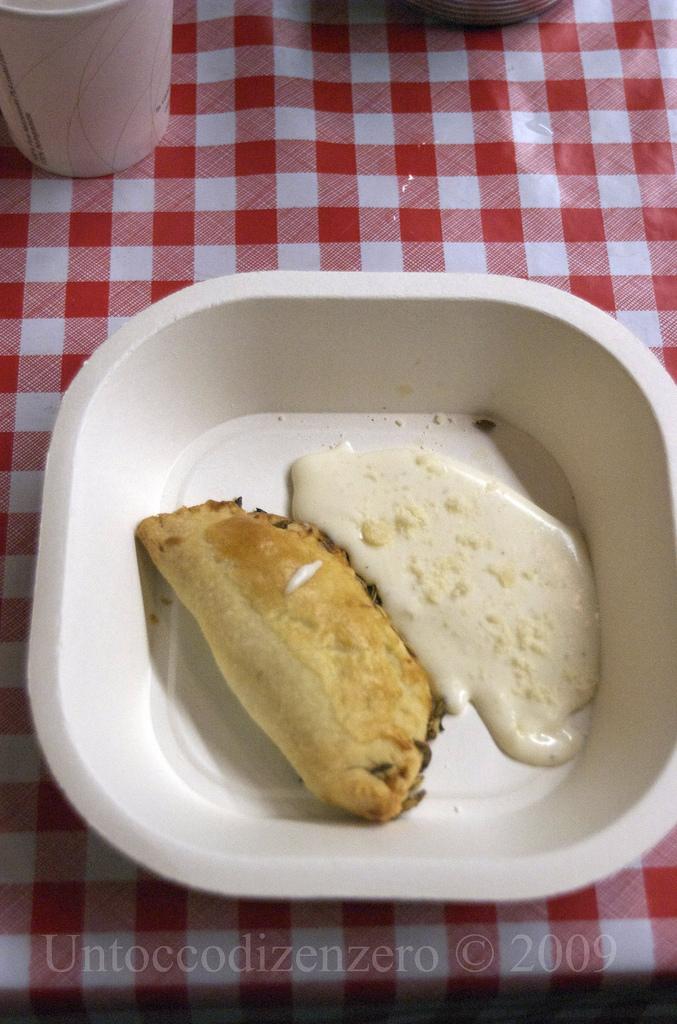 Fagottini spinaci e pere con salsa al parmigiano