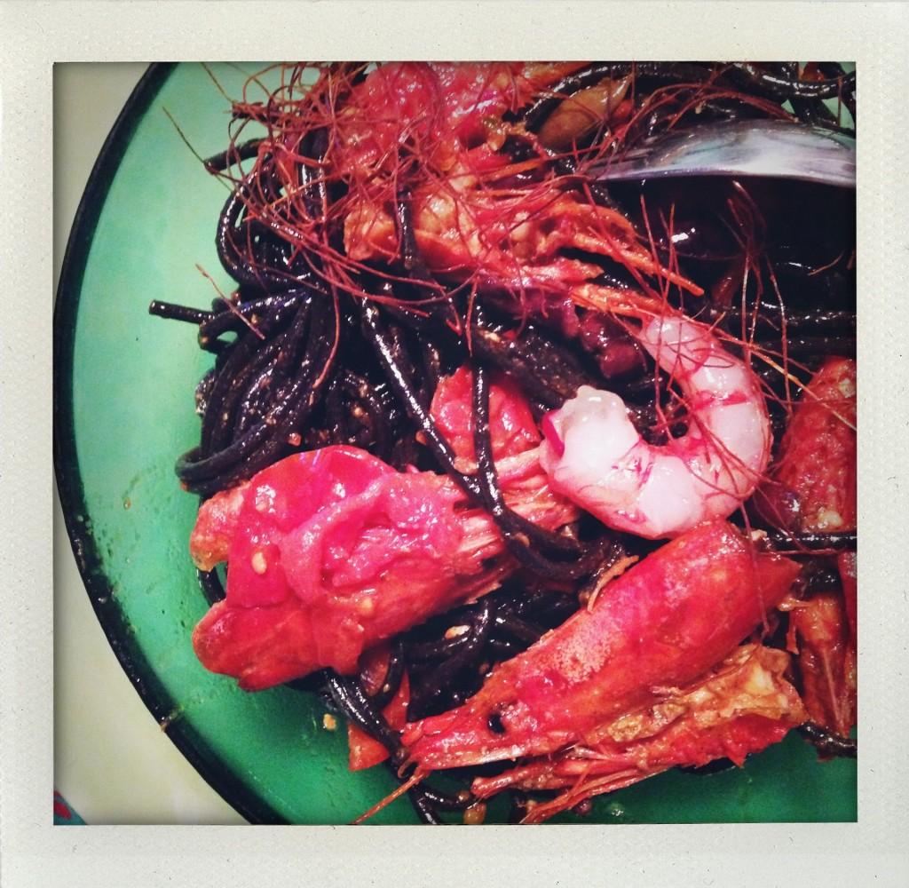 Spaghetti al nero di seppia Felicetti con gamberi