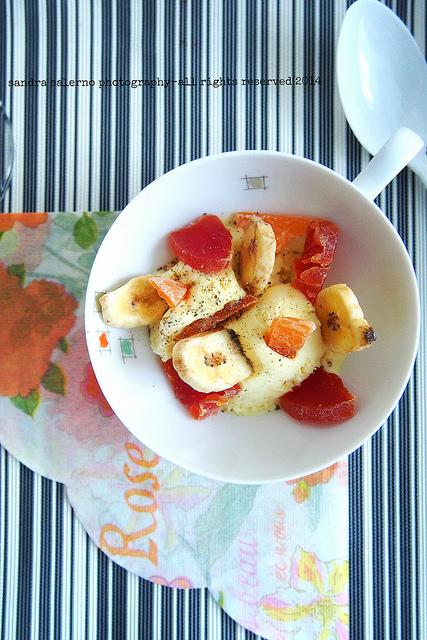 Gelato alla crema con frutta tropicale e pepe del Madagascar | Zacapa XO