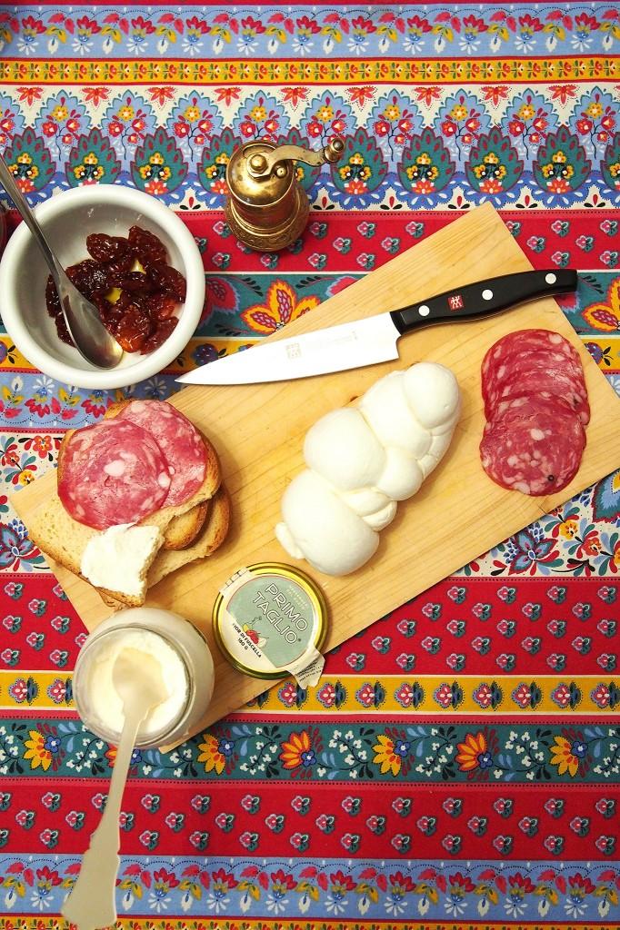 Primo Taglio tasting treccia di bufala ricotta fior di fuscella e salame Napoli