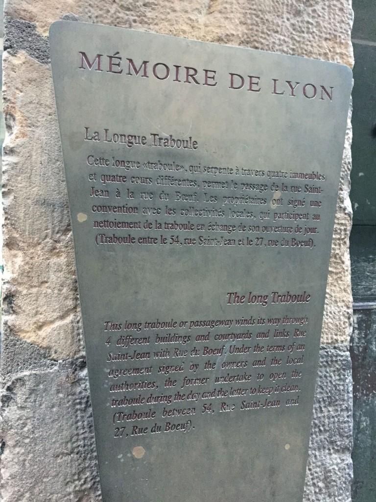 La long Traboule Lyon