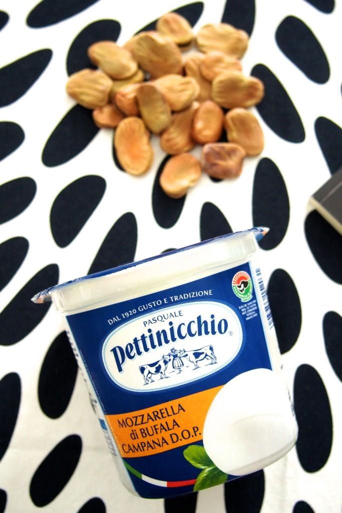 Vellutata-di-Fave-con-Mozzarella-di-Bufala-Campana-Dop-Pettinicchio