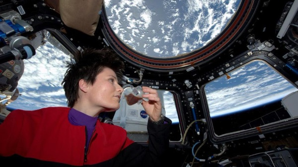 first-espresso-brewed-in-space-thanks-to-isspresso-3d-printed-cups-1