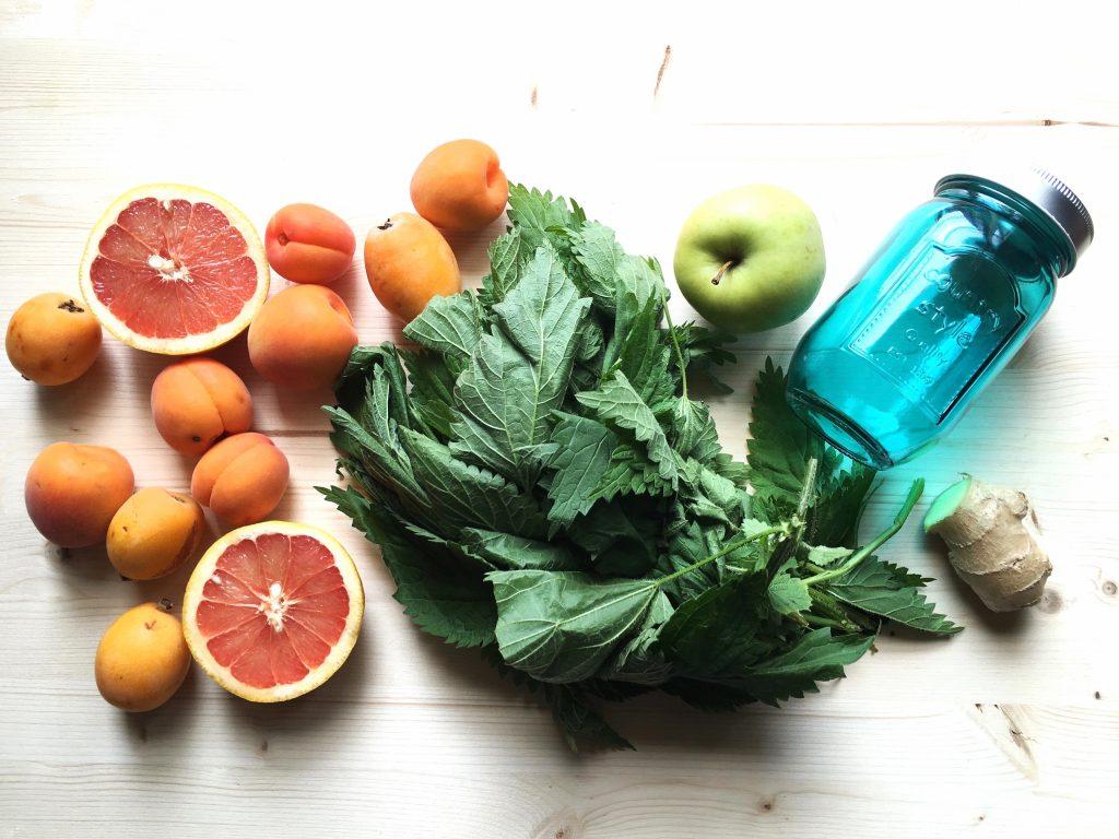 Juice of fruit salad macedonia di frutta da bere