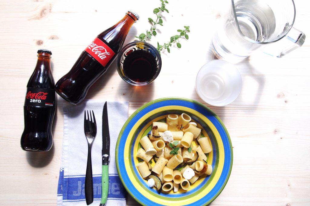 Mezzemaniche mozzarella melanzane e maggiorana Il Gusto a Tavola Coca-Cola
