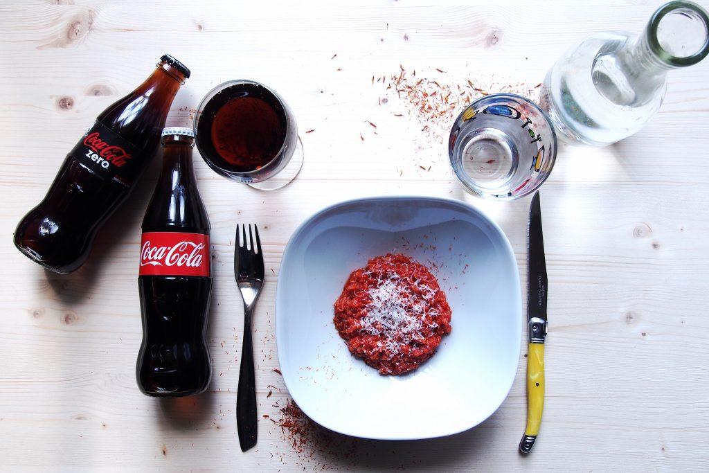 pappa al pomodoro e pecorino per il gusto a tavola Coca-Cola