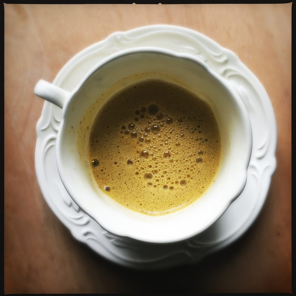 Vegan chai latte alla zucca